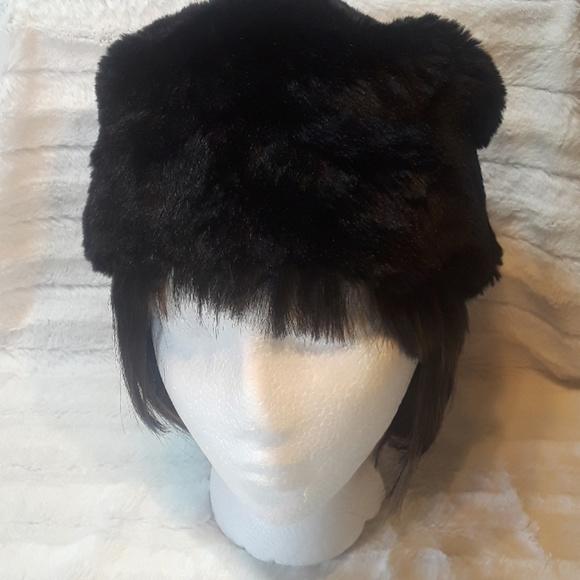 ff720f95b05 Mossimo faux fur winter hat. M 5b75a93603087ca49c973af7